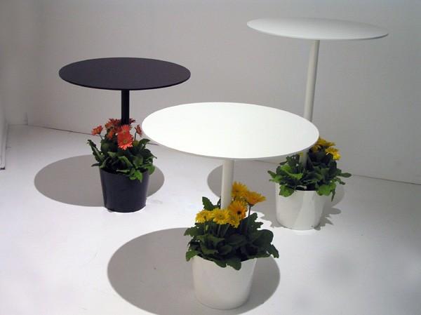 tafel met plantenbak in één